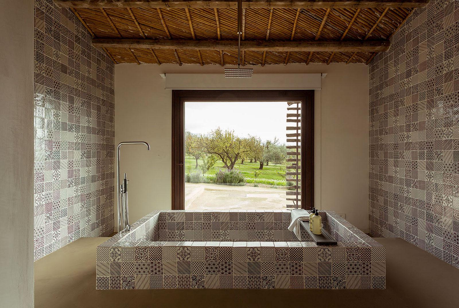 2015 – N-orma – Chiaramonte Gulfi – Arch. Patrizia Sbalchiero – Patchwork of Novecento + Komon Collection + Nuda Lava