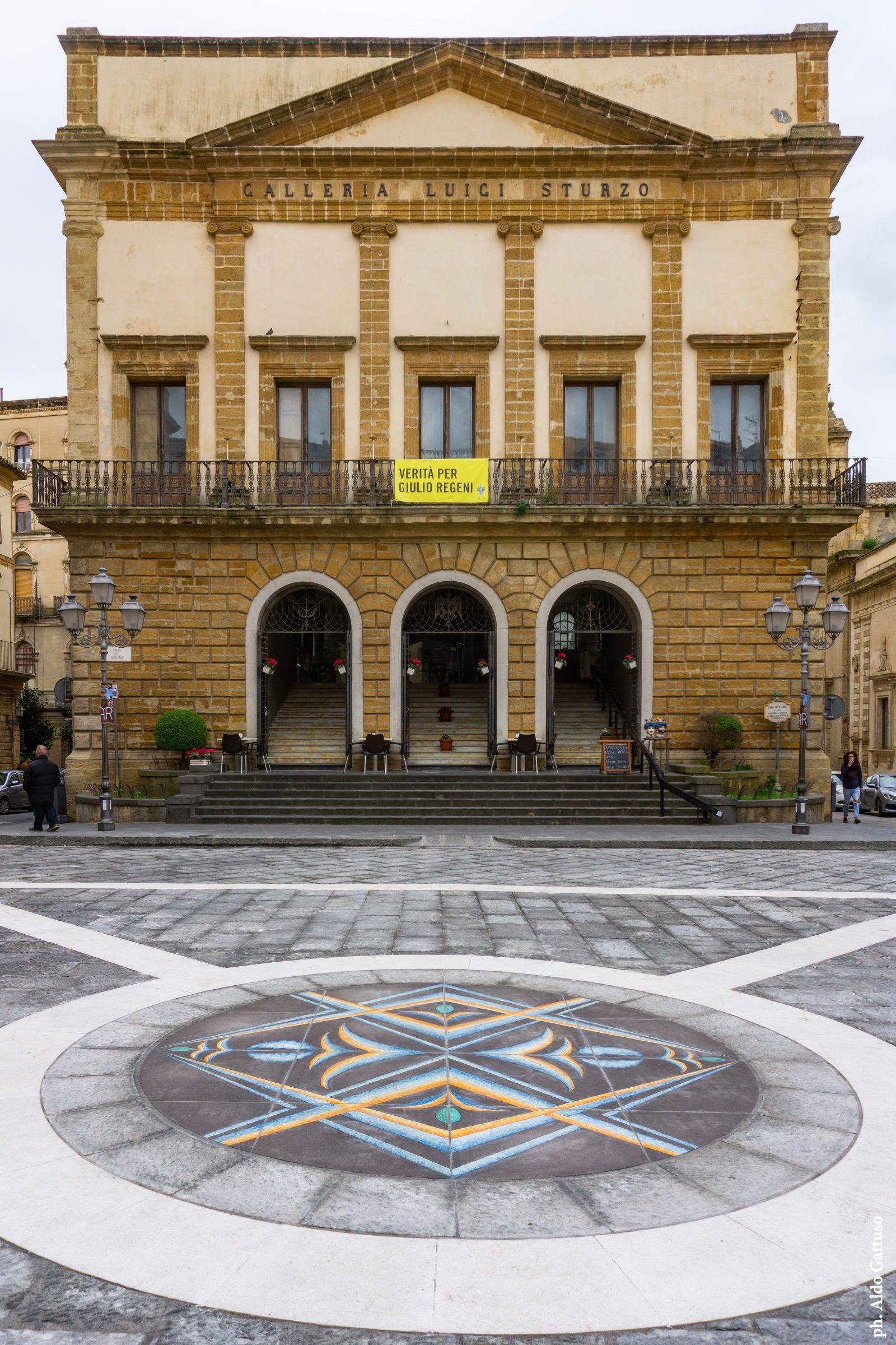 madeamano-work-2020-02-Caltagirone-piazza-municipio-03